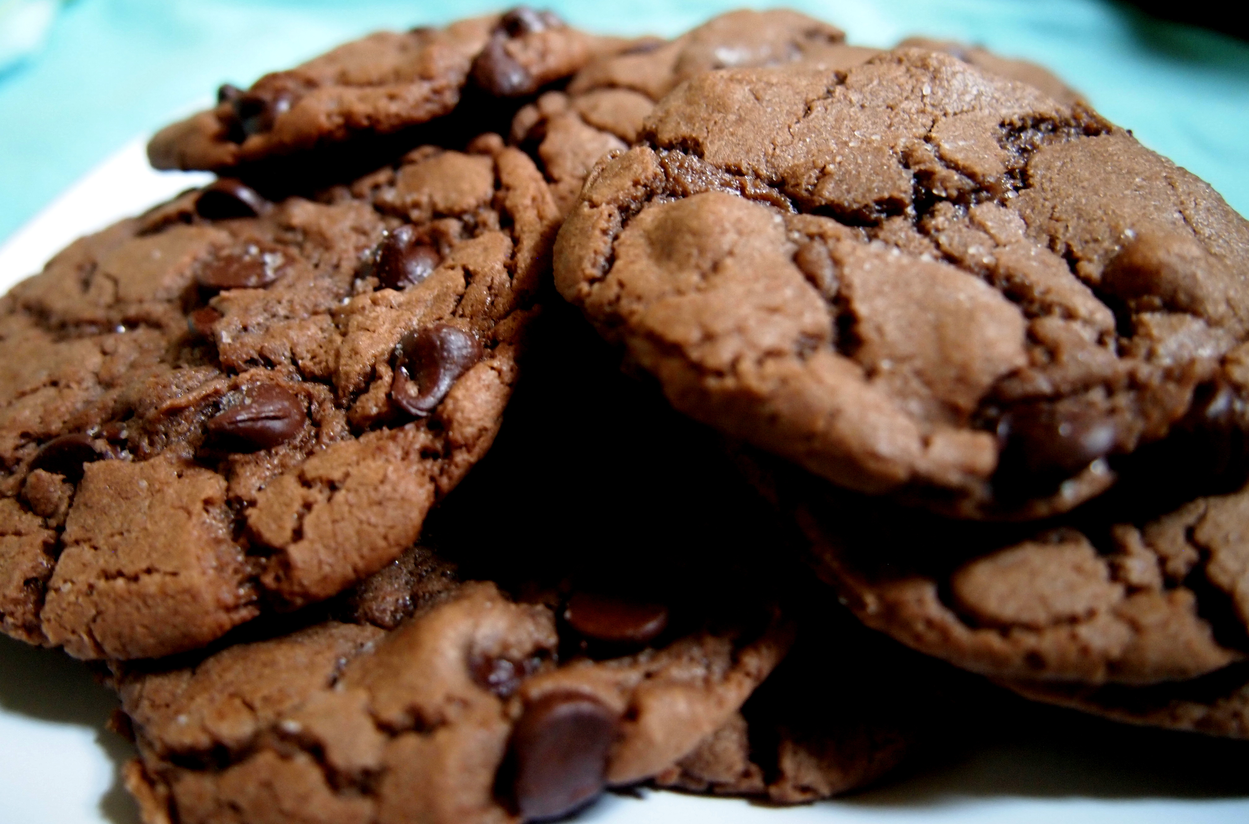 Salted Nutella Chocolate Chip Cookies | Yum and Done